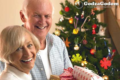 Чего дарить на праздник Нового года - пожилым людям или родителям