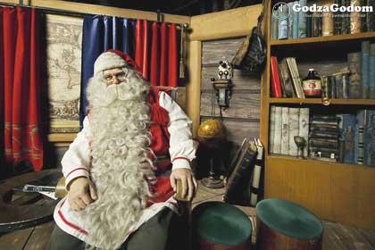Финский Дед Мороз - Йоулупукки, встречает детей