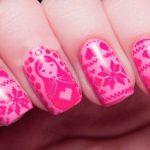Фото - красивый новогодний маникюр розового цвета