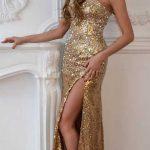 Новогоднее платье с разрезом