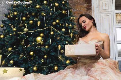 Какой подарок нельзя презентовать девушке на праздник Нового года