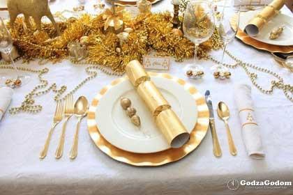 Красивая сервировка новогоднего стола 2018