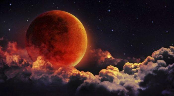 Явление кровавой Луны в 2019